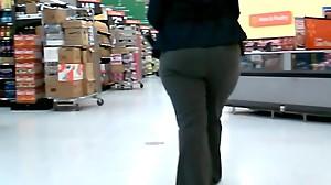 Meaty Ass Ebony Walmart Manager!